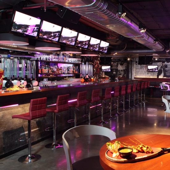 Underdoggs Sports Bar and Grill